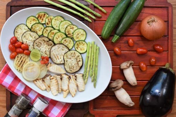 verdure-alla-griglia841B063E-ECCA-B939-4946-D709CCCB98BE.jpg